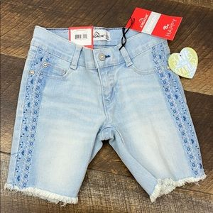 Jordache Bermuda Jean Shorts, Embroidery detail